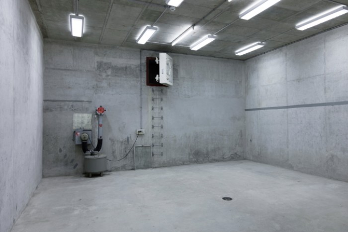 For rent: Storage room 104 m2, 2nd underground, Zimeysa Meyrin Satigny Geneva